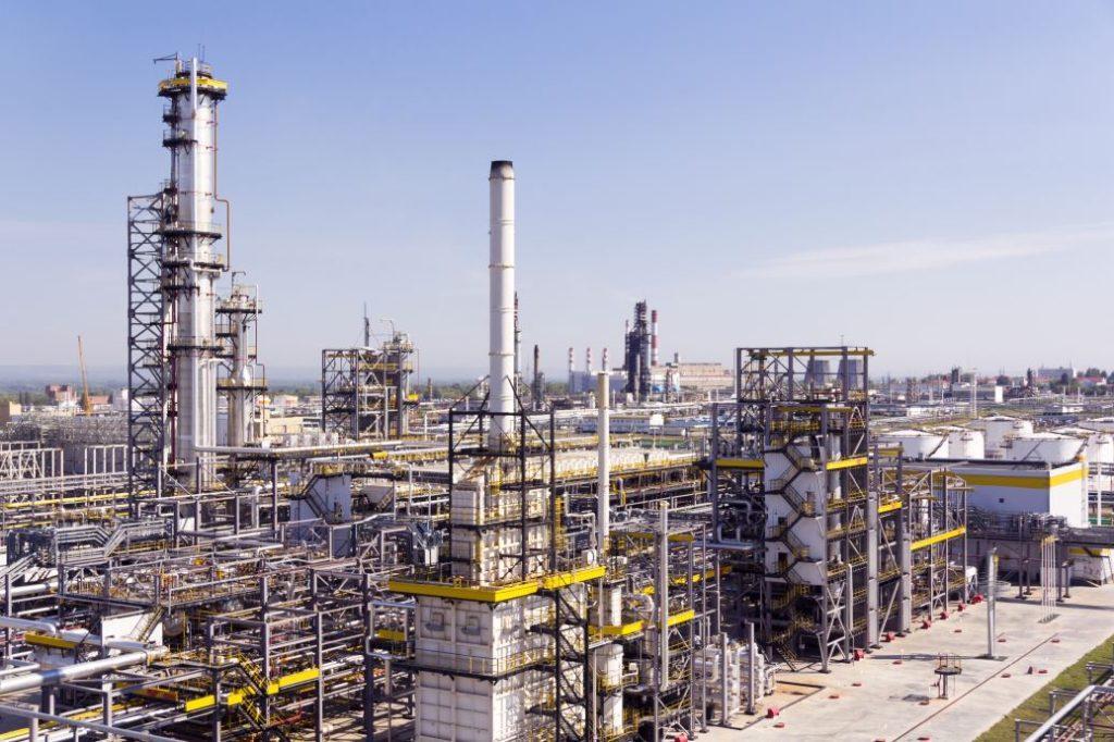 A complex oil refinery for making gasoline